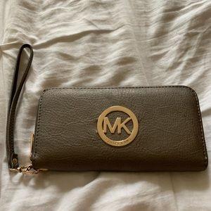 Michael Kors Zip Around Silver Wallet